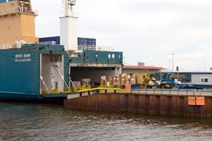 Trannsfennica bringt Papier aus dem finnischen Kotka. Seit drei Jahren ist die finnische Reederei wieder in Rostock aktiv.
