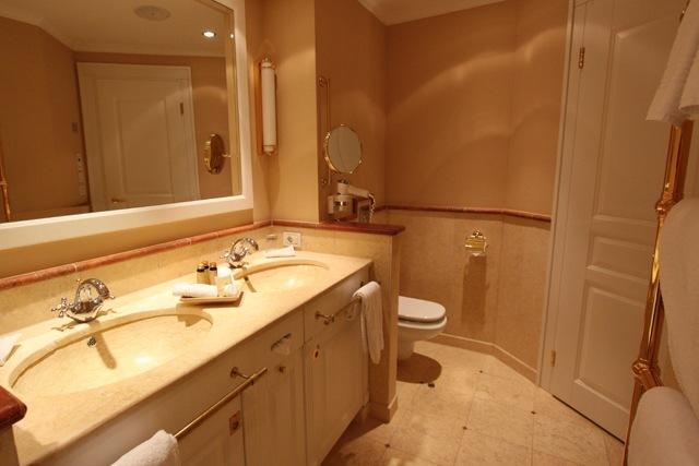 Badezimmer armaturen klassisch innenarchitektur und for Badezimmer armaturen