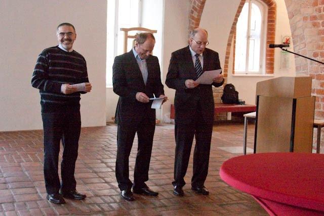 Dr. Fakhourie, OB Methling und Prof. Joedicke bei der Siegerehrung