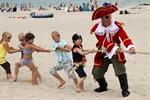 Piratenfest mit großer Schatzsuche in Warnemünde
