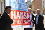 Stadt zeigt Flagge für Hansa Rostock und die Fans
