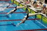 Flossenschwimmer in der Neptun Schwimmhalle