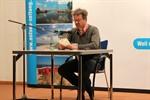 """Manuel Andrack stellt sein Buch """"Das neue Wandern"""" vor"""