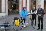 Rostocker Radwegewart kontrolliert Radwege