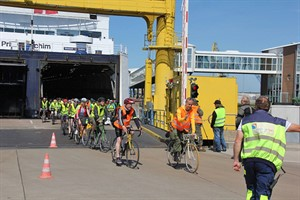 Cycling for libraries im Rostocker Hafen