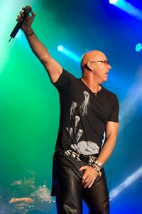 Richard Fairbrass von Right Said Fred