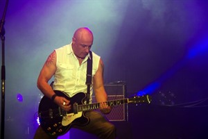 Fred Fairbrass von Right Said Fred im Stadthafen Rostock 2011