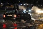 Unwetter über Rostock - Straßen und Keller erneut überflutet