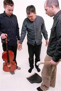 John Law and the Art of Sound Trio im Peter-Weiss-Haus