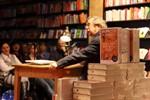 Hellmuth Karasek erzählt (über) Witze in Rostock
