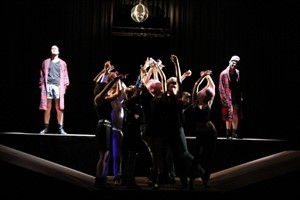 "Die Freie Theater Jugend zeigt ""DIE YOUNG OR LIVE FOREVER"""