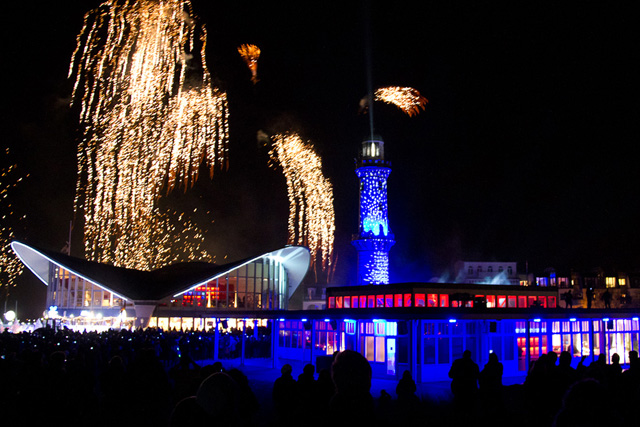 Leuchtturm in Flammen 2012 in Warnemünde