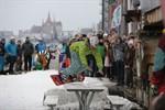 Snowboard-Session an der Rostocker Hafenkante