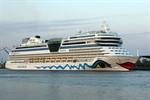 AIDAsol eröffnet Kreuzfahrtsaison 2012 in Warnemünde