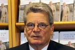 Joachim Gauck wird Ehrenbürger und eröffnet Hanse Sail