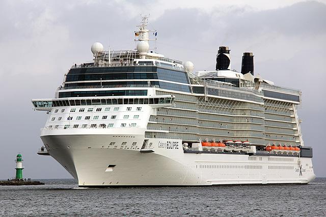 Kreuzfahrtschiff_Celebrity_Eclipse_Kreuzfahrthafen_Rostock_Warnemuende ...