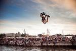 Rock the Ramp: Zur Hanse Sail mit Board & Bike in die Warnow