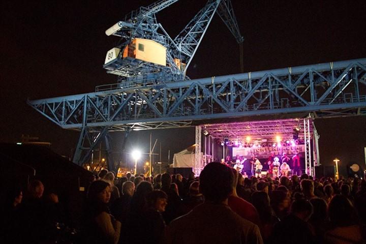 Lichtenhagen bewegt 2012 - Open Air Konzert im Stadthafen