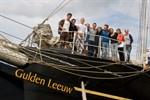 Jugendliche bringen die Gulden Leeuw zur Hanse Sail 2012