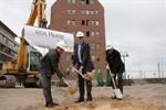 1. Spatenstich für neues AIDA-Bürohaus im Stadthafen