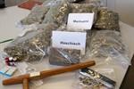 Polizei schnappt zwei Drogenkuriere und einen Dealer