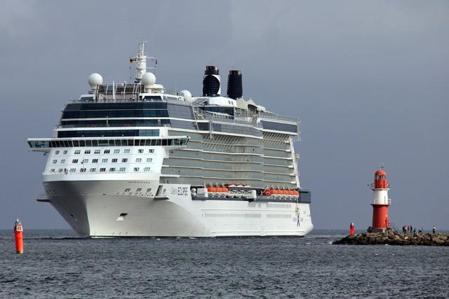Studie zu den wirtschaftlichen Effekten des Fähr- und Kreuzfahrttourismus in Rostock und Umgebung 2012