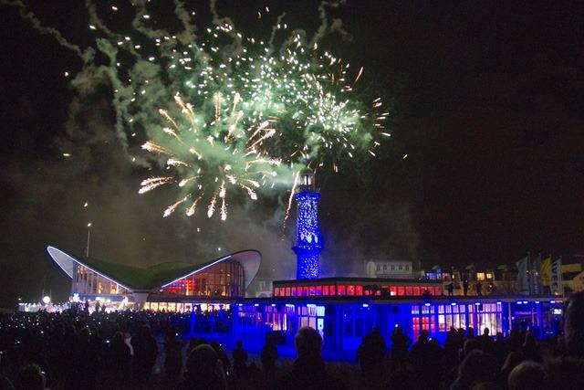 Leuchtturm in Flammen 2013 - Neujahrsspektakel in Warnemünde