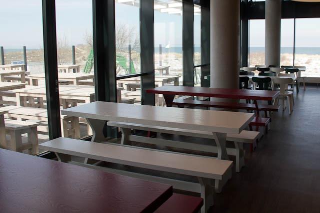 Das Marktplatzrestaurant des A-ja Resort können auch Tagesgäste von der Strandpromenade aus besuchen