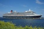 """Erstanlauf der """"Queen Elizabeth"""" im Kreuzfahrthafen Warnemünde"""
