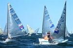 Endlich Wind: Finn Dinghy European Championships gestartet