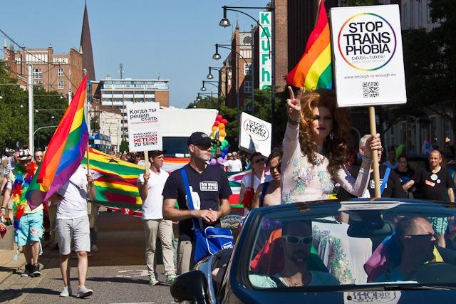 CSD 2014 in Rostock - Parade gegen Homophobie auf der Welt