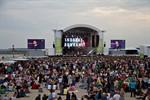 NDR lockt Zehntausende zur Strandparty nach Warnemünde