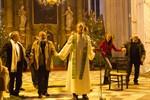 Muslime, Christen und Juden versammeln sich in der Marienkirche