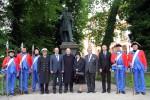 200 Jahre Waterloo: Blumen am Blücher-Denkmal