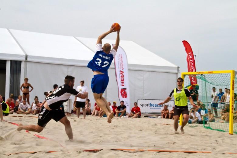 Rostocker Teams beim Beachhandball 2015 in Warnemünde vorn