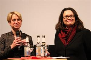 Landesarbeitsministerin Birgit Hesse (links) und Bundesarbeitsministerin Andrea Nahles bei der Eröffnung des Futurale-Filmfests in Rostock