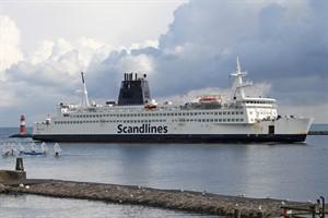 """Die """"Prins Joachim"""" wurde nach Griechenland verkauft - das Scandlines-Logo wurde bereits vom Schornstein entfernt"""
