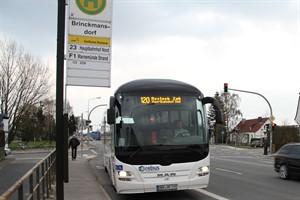 Sowohl RSAG als auch Rebus nutzen die Haltestelle Brinckmansdorf - aktuell endet keine Rebus-Linie hier, der Behelfsausstieg im Katt-un-Mus-Weg wird nicht angefahren