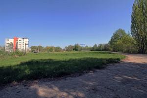 Der ehemalige Sportplatz am Ortseingang Warnemünde soll als Erweiterungsfläche fürs Technologiezentrum dienen