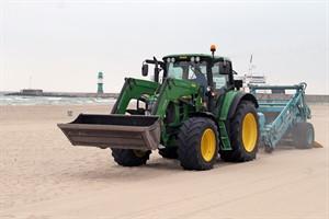 Neues Strandreinigungsgerät für Warnemünde
