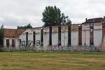 Heinkel-Mauer nicht mehr standsicher - Gerüst soll Wand sichern