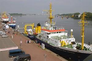 """Am 8. Juni 2016 können die Forschungsschiffe """"Deneb"""", """"Solea"""" und """"Elisabeth Mann Borgese"""" im Rostocker Stadthafen besichtigt werden (Foto: IOW/D. Amm)"""