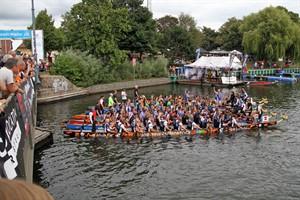 Drachenbootfestival 2016 auf dem Alten Strom in Warnemünde