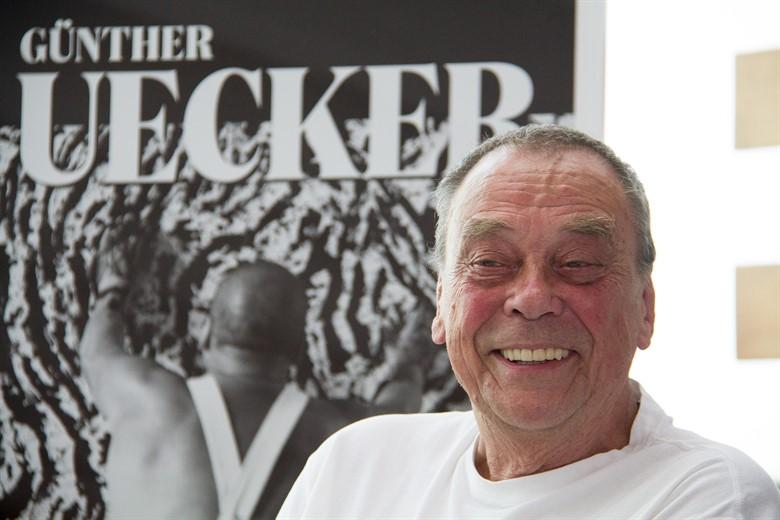 """Günther Uecker: """"Der geschundene Mensch"""" in der Kunsthalle"""