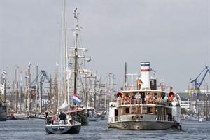 Mit zahlreichen Mitseglern brachen die Traditionsschiffe zu ihren Tagesfahrten auf (Foto: Hanse Sail Rostock / Lutz Zimmermann)