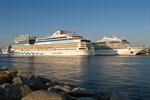 Kreuzfahrtschiff-Fünffachanlauf in Rostock-Warnemünde