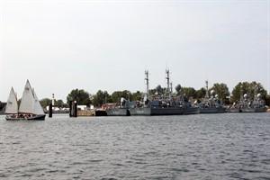 Marine und Open Ship zur Hanse Sail 2016