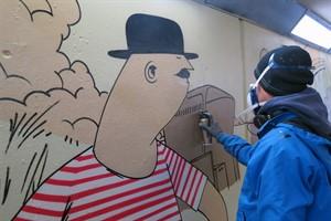 Anti-Graffiti-Projekt gestaltet Durchgang am S-Bahnhof Parkstraße (Foto: Hansestadt Rostock)