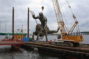 Rückbau der Njörd-Skulptur im IGA Park (Foto: IGA Rostock 2003 GmbH)