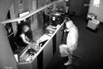Überfall auf Spielothek - Polizei fahndet mit Bild aus Überwachungskamera